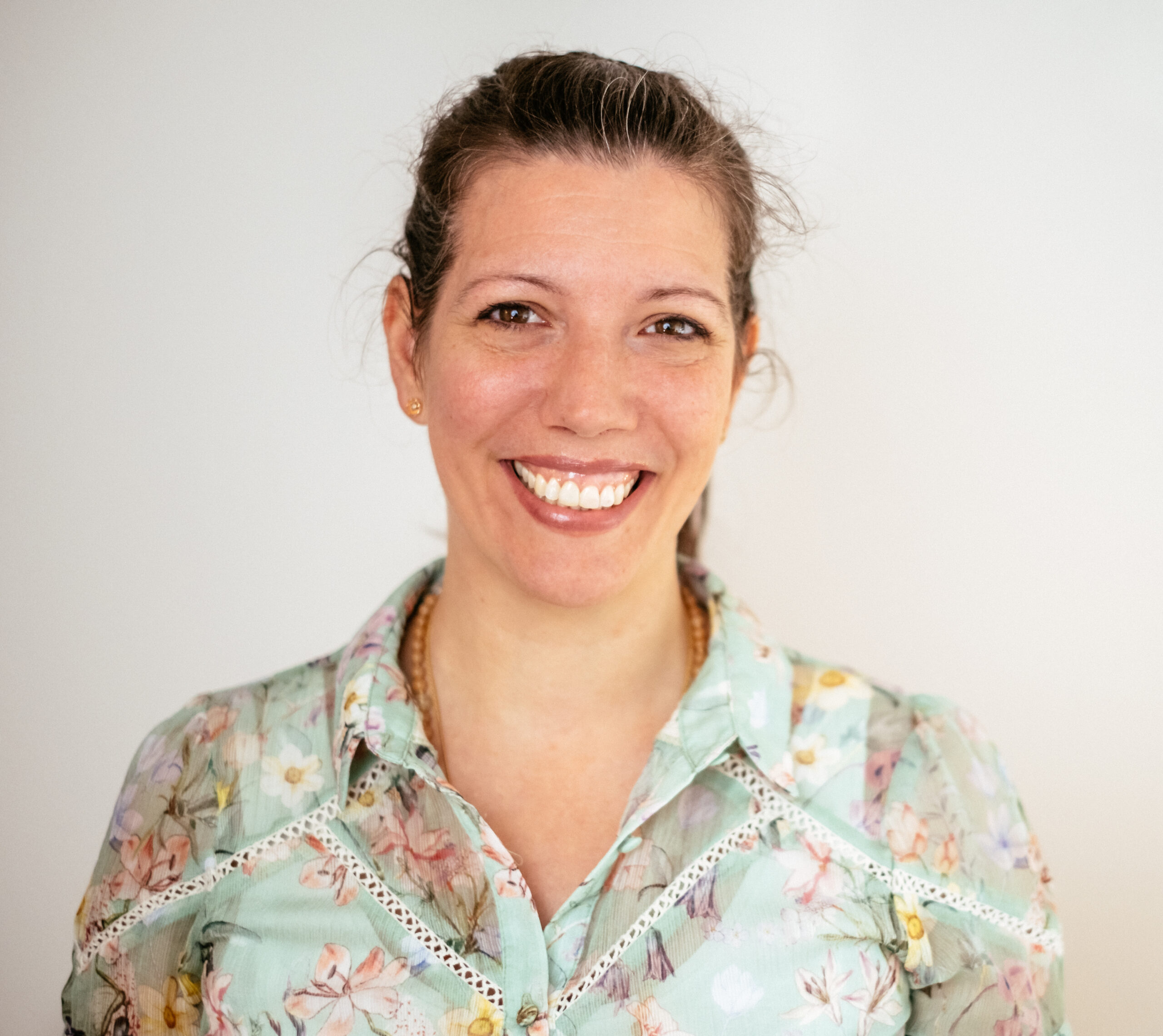 Anjali_Friedli-Expertin-für-Quantenheilung-scaled.jpg