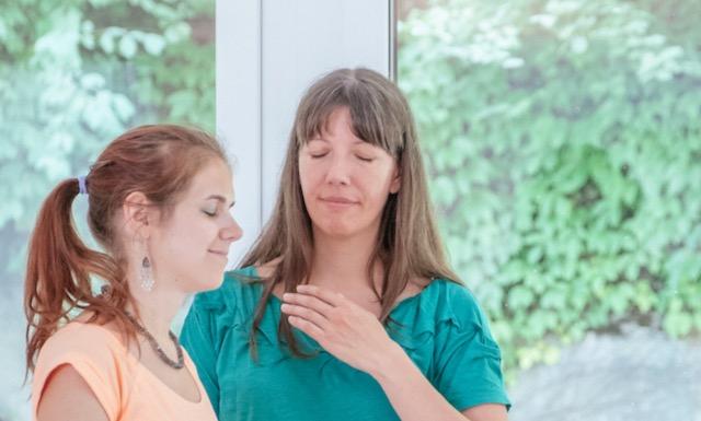 Quantneheilung- Anjali Friedli am behandeln